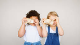 Pedagogical documentation - kids playing with wooden cameras